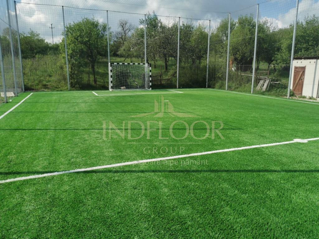 teren fotbal